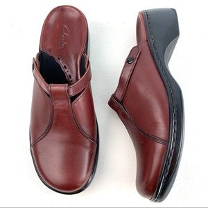 Clark's Burgundy Leather Mules Comfort size 7